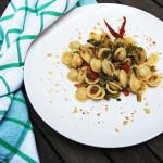 Orecchiette con Cime di Rapa, pomodorini secchi e mollica croccante