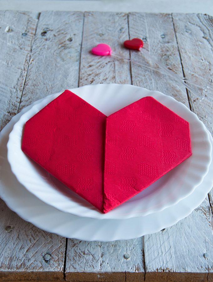 Come piegare il tovagliolo a forma di cuore
