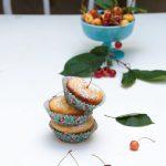 Muffin allo yogurt e ciliegie